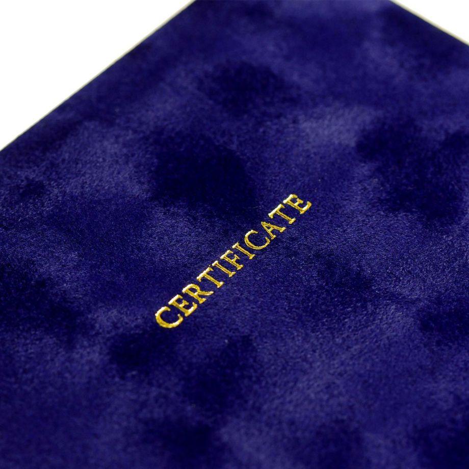 結婚証明書ベローチェの「certificate」ゴールドのタイトル文字