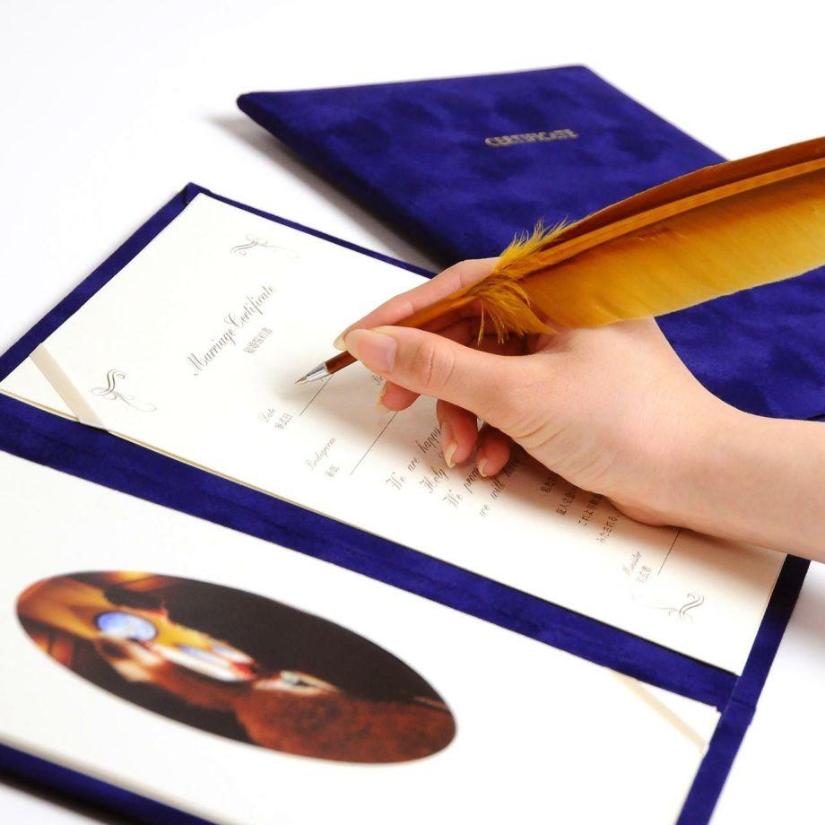 結婚証明書ベローチェ署名シーン