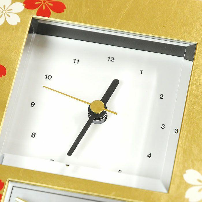 時計の文字盤はシンプルな白地に黒い針で、時間が見えやすいように配慮してあります。