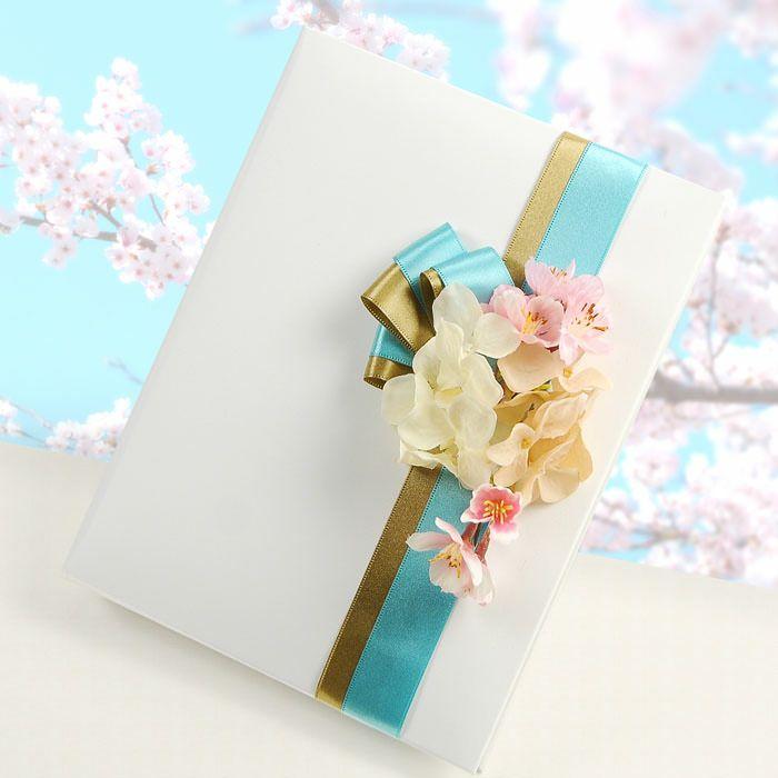 手紙+感謝状+アルバムを一冊のバインダーにセットして、両親プレゼントとして活用できるスグレモノ