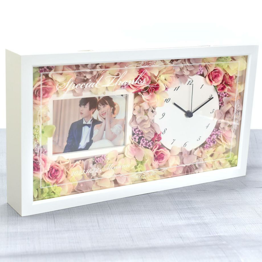 お部屋に飾りやすい自立式の置き型時計