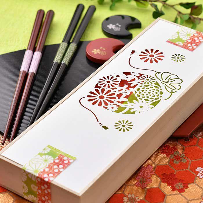 即日出荷!ペアのお箸と箸置きの両親プレゼント