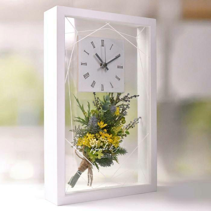 時計はどこにでもサッと気軽に飾れて、空間にも馴染む置き型タイプ