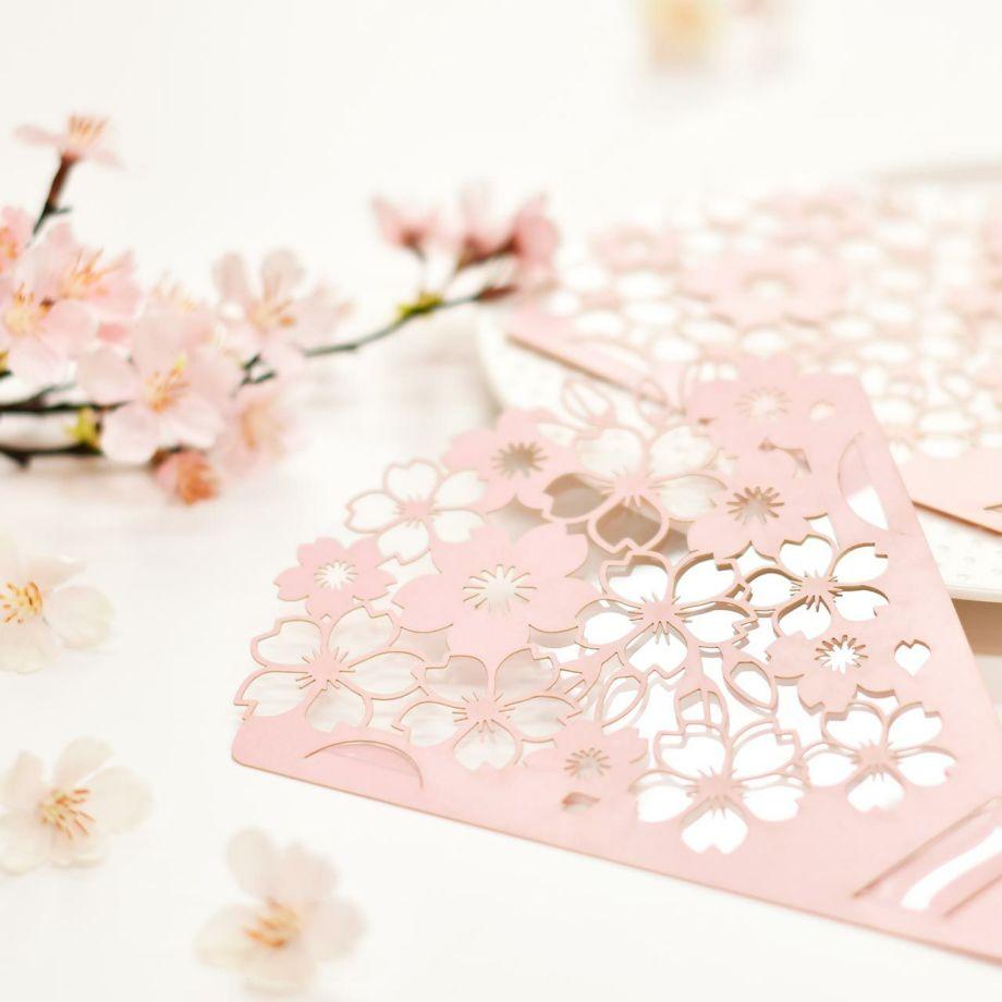 花束に見立てた桜の繊細なデザイン