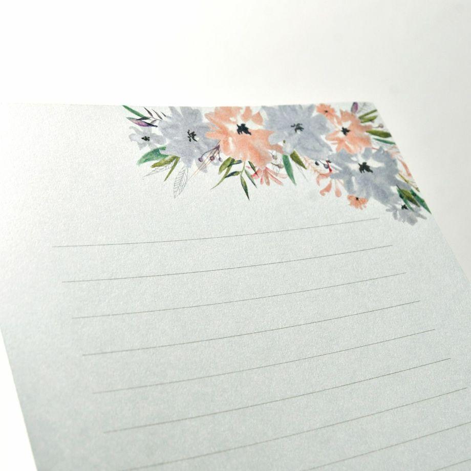 抗菌・抗ウイルス紙をつかった花嫁の手紙レターセットの表面は滑らかな質感